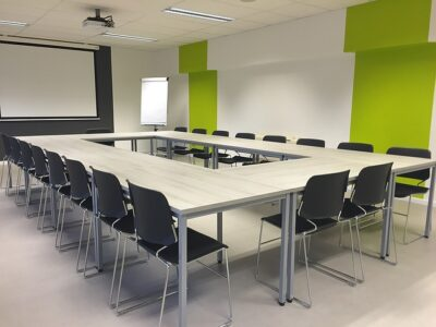 An example of a hollow square layout for meeting rooms.