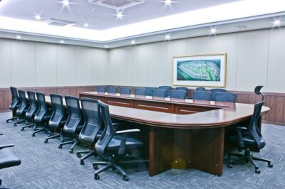 An example of a U-shaped meeting room layout.
